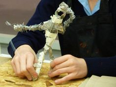 Making sculptures with wire armatures at the Sainsbury Centre, with artist Alison Atkins.