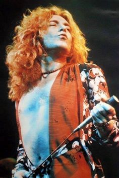 Robert Plant, 1975. Boundlessly beautiful.