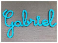 Prénom en tricotin ou mot de 7 lettres en laine au tricotin déco chambre à accrocher ou à poser Prénom Gabriel au tricotin : Chambre d'enfant, de bébé par les-mots-doux-en-laine-au-tricotin