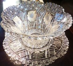 Huge Antique Victorian Old Pairpoint Cut Glass Mayonnaise Bowl Under Plate Cut Glass, Clear Glass, Glass Art, Etched Glass, Antique Dishes, Antique Glassware, Vintage Dishes, Mayonnaise, Punch Bowl Set