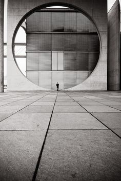 3inches: the pensieren circle berlin, germany. via visualacuity