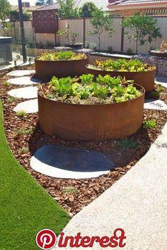 How to Build a Raised Bed Garden raised garden bed ideasraised garden bed ideas Vege Garden Ideas, Veg Garden, Vegetable Garden Design, Garden Planters, Vegetable Gardening, Raised Vegetable Gardens, Veggie Gardens, Garden Soil, Garden Boxes
