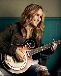 Melissa Etheridge is coming to Grass Valley in September: http://www.sierraculture.com/foodwineart/food/singer-melissa-etheridge-to-perform-september-19-in-grass-valley/#.U7p_qZRgY6o