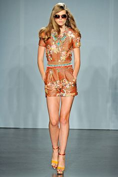 Matthew Williamson Spring 2012 Ready-to-Wear Fashion Show Collection