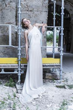 Elegantes, schlichtes Brautkleid von MICHEL MAYER aus der aktuellen Kollektion Spring/Summer 2014 Elegant, One Shoulder Wedding Dress, Wedding Dresses, Summer, Fashion, Plain Wedding Dress, Curve Dresses, Classy, Bride Gowns