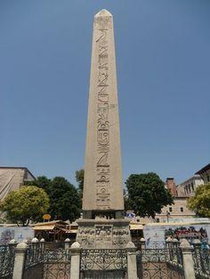 İstanbul'da bir Eski Mısır anıtı: Dikilitaş   Mezar Taşları ve Kitâbeler   Dünya Bülteni Haber Portalı