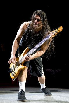 Robert Trujillo Photos - Robert Trujillo of Metallica performs live in concert at the Wachovia Center on January 17, 2009 in Philadelphia, Pennsylvania. (Photo Jeff Fusco/Getty Images) * Local Caption * Robert Trujillo - Metallica In Concert