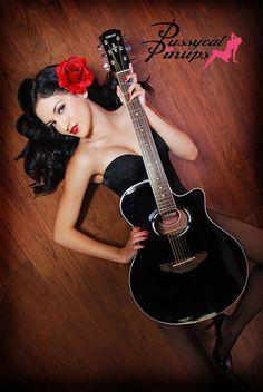 nice guitar :)