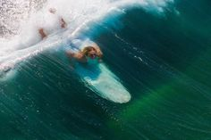 Surfing holidays is a surfing vlog with instructional surf videos, fails and big waves Best Scuba Diving, Sup Surf, Water Photography, Inspiring Photography, Windsurfing, Longboarding, Surfs Up, Waves, Outdoor