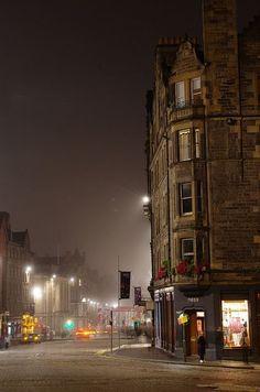 http://breadandolives.tumblr.com/post/84221777589/bluepueblo-foggy-night-edinburgh-scotland