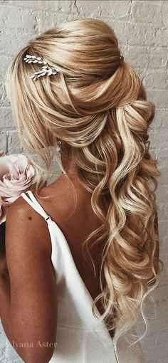 30 Awesome Wedding Hair Half Up Ideas ? Still cant decide between a solemn updo or a romantic downdo? Take a look at glamorous and timeless wedding hair half up half down options. Wedding Hair Half, Wedding Hairstyles Half Up Half Down, Half Up Half Down Hair, Wedding Hairstyles For Long Hair, Wedding Hair Pieces, Wedding Hair And Makeup, Bride Hairstyles, Down Hairstyles, Bridal Hair