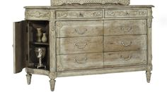 Pulaski Ardenay 8 Drawer Dresser in Light Wood 214100