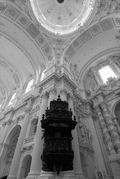 Black and white gothic-inspired architecture. Architecture Baroque, Classical Architecture, Beautiful Architecture, Architecture Details, Interior Architecture, Interior Design, A Darker Shade Of Magic, White Aesthetic, Oeuvre D'art