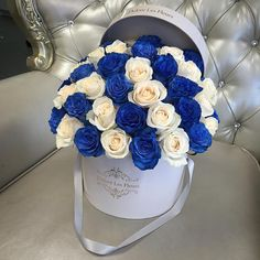 blue, flowers, and wedding image Flower Box Gift, Flower Boxes, My Flower, Flower Art, Beautiful Roses, Beautiful Flowers, Rosen Box, Box Roses, Luxury Flowers