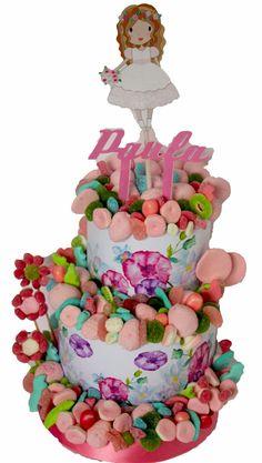 Tarta de chuches para la Comunión de Paula. Malakoss.com Torta Candy, Candy Bar Decoracion, Candy Birthday Cakes, Candy Crafts, Candy Bouquet, Candy Party, Candyland, Food Art, Yummy Food