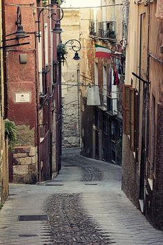 Vico III dei Genovesi.  A narrow, inclined street in the Castello area of Cagliari. Sardinia - Italy