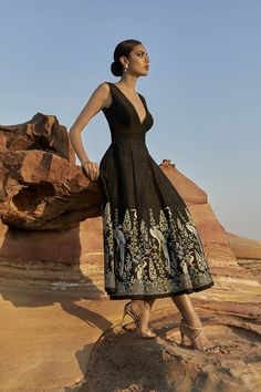 15 Anita Dongre Lehengas For Spring Summer 2019 + PRICES Gorgeous black hand painted midi dress. Anita Dongre, Indian Attire, Indian Wear, Indian Dresses, Indian Outfits, Mehendi Outfits, Lehenga Collection, Bridal Collection, Evening Dresses