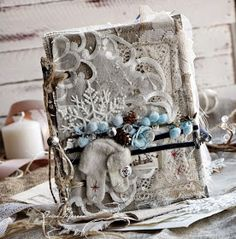 Здравствуйте, дорогие читатели!     Сегодня наш дизайнерЭльвира- Эль-Ка  расскажет и покажет нам зимнюю сказку о приближающемся семейном...