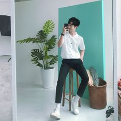 Ideas Fashion Mens Streetwear Men For 2019 Fashion Mode, Kpop Fashion, Minimal Fashion, Trendy Fashion, Korean Fashion Trends, Asian Fashion, Japanese Street Fashion, Mens Clothing Styles, Korean Men Clothing