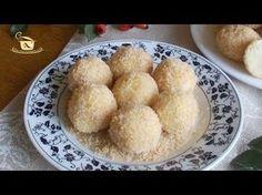 Papanasi fierti ~ ReteteAngela Romanian Food, Romanian Recipes, Cornbread, Deserts, Muffin, Sweets, Breakfast, Ethnic Recipes, Ih