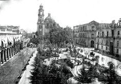 fotos historicas de la plaza de santo domingo en mexico - Buscar con Google
