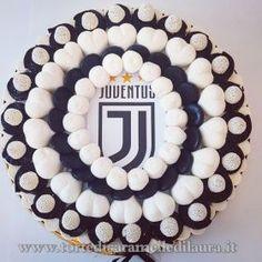 Torta Juventus diametro 35 cm Birthday Cake, Birthday Parties, Tart, Desserts, Girl Hijab, Food, Marshmallows, Pallet, Cupcake
