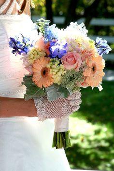Beautiful flowers! www.cedarwoodweddings.com