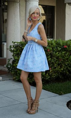 What a cute outfit! Love the shoes!