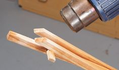 Wooden Spring Tongs ??A great all-around kitchen utensil. By David Radtke Here's a great kitchen utensil you're sure to find indispensable. These wooden tongs feature a unique spring tab mechanism built into a knuckle joint. The joint allows the tongs to be folded flat for storage. When the tongs are opened up, the spring tabs contact each other so the tongs want to spring back open. This is the same …