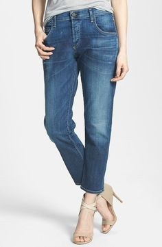 Love these slouchy boyfriend style jeans from Nordstrom! // http://rstyle.me/n/cpwcyycb5bp