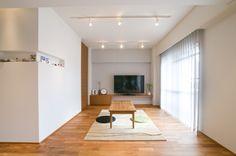 床 : チーク無垢材 照明 : USHIOSPAX/MAXRAY 壁・天井 : Jカラー塗装/クロス 設備 : TOTO/GROHE/KAKUDAI 家具・建具 : 製作 キッチン : オリジナルキッチン 専門家:リノベーションカーサが手掛けたマンションリフォーム・リノベーション住宅事例:心地良いカフェのような空間(リノベーション)のページ。新築戸建、リフォーム、リノベーションの事例多数、SUVACO(スバコ)