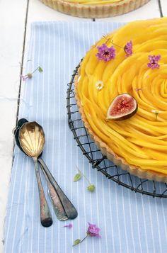 Para cerrar un rico almuerzo, nada mejor que disfrutar de un fresco pie de mango → http://cocinayvino.net/receta/postres/5059-delicioso-pie-de-mango.html