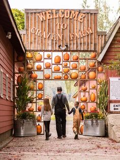 The Best Pumpkin Festivals to Visit This Fall: Celebrate the season with the whole family by visiting a regional festivals where pumpkins abound, food is aplenty, and adventures are all but guaranteed. Pumpkin Patch Farm, Best Pumpkin Patches, Pumpkin Carving, Seasonal Decor, Fall Decor, Corn Maze, Coconut Grove, Halloween Town, Halloween Festival