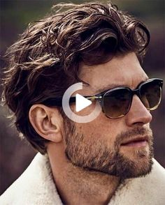 Having curly hair is great, especially when with the right haircut. Here are prime curly hairstyles for men that have been handpicked just for you. #bestcurlyhairstyles Cool Hairstyles For Men, Hairstyles For Round Faces, Haircuts For Men, Wavy Hairstyles, Textured Hairstyles, Wavy Hair Men, Black Curly Hair, Short Hair Cuts, Medium Hair Styles