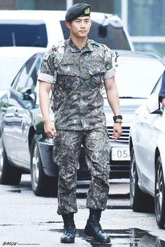 Recent Photos Of Taecyeon In Army Show His Drastic Body Transformation Hot Korean Guys, Hot Asian Men, Korean Men, Asian Boys, Korean Actors, Dramas, Ideal Boyfriend, Men In Uniform, Kdrama Actors