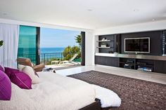 >> bedroom view Multi-Million Dollar House on Malibu Beach! | HomeDSGN, a daily source for inspiration and fresh ideas on interior design and home decoratio...