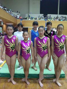 gymnastics club Gymnastics Clubs, Gymnastics Pictures, Olympic Gymnastics, Gymnastics Girls, Rhythmic Gymnastics, Gymnastics Flexibility, Diving Wetsuits, Female Pictures, Track And Field
