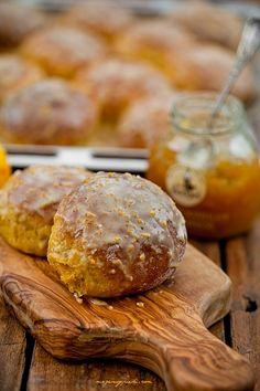 Słodkie bułeczki dyniowo - pomarańczowe Orange Rolls, Beignets, Fritters, Doughnuts, Love Food, Muffins, Bakery, Deserts, Sweets