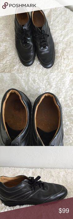 Tod's athletic men's shoes Tod's athletic men's shoes black leather , size 12. Normal wear. Made in Italy Tod's Shoes