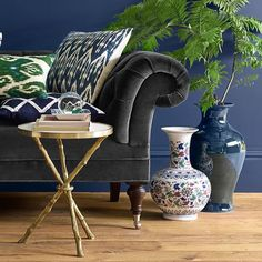 Choose from a wide variety of coffee tables, from rustic to elegant, refined and modern. Buyer Select has a stunning selection of furniture & home decor.