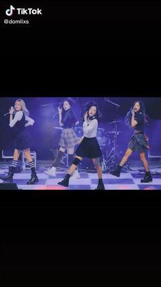 Black Pink Songs, Black Pink Kpop, Cute Funny Baby Videos, Cute Funny Babies, Korean Girl Fashion, Blackpink Fashion, Dance Choreography Videos, Dance Videos, V And Jin