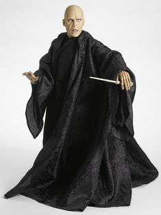 Harry Potter Lord Voldemort Doll by the Tonner Doll Company Harry Potter Toys, Harry Potter Voldemort, Harry Potter Miniatures, Harry Potter Drawings, Lord Voldemort, Harry Potter World, Barbie Celebrity, Harry Potter Collection, Witches