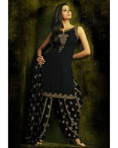Salwar Suits Online: Latest Indian Salwar Kameez For Women, at Utsav Fashion Latest Indian Saree, Indian Sarees, Salwar Suits Online, Indian Salwar Kameez, Traditional Sarees, Indian Dresses, Fashion 2017, Indian Wear, Suits For Women