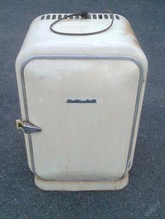 Retro lednička Elektrosvit, typ 381, lednice