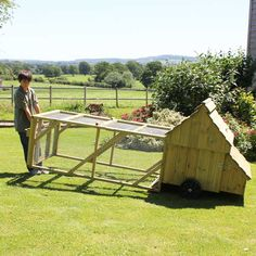 Easy to move mobile chicken coop