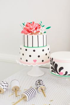 This cake is way too cute!
