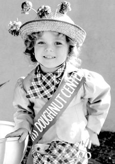 "Shirley Temple ~ Baby Burlesk ""Kid 'In Hollywood"" 1933"