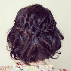 A braided hairdo is a fantastic way to show off one's feminine and lovely side and thanks to the internet, we're open to hundreds of new wa...