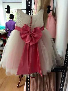 Toddler Girl Dresses, Little Girl Dresses, Girls Dresses, Baby Dresses, Frock Patterns, Baby Girl Dress Patterns, Kids Dress Wear, Kids Gown, Kids Wear