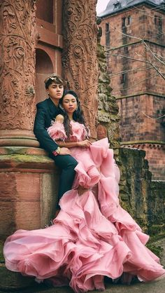 Edward Barber and Maymay Entrata Filipino Models, Filipino Girl, Hollywood Dress, Star Magic, Celebs, Celebrities, Formal Gowns, All About Fashion, Prom Dresses